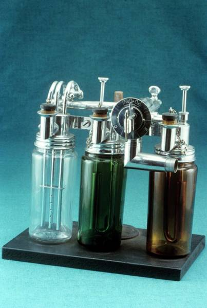 History Of Science Wall Art - Photograph - Webber Anaesthetic Machine by Science Photo Library