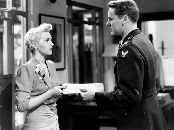 Van Johnson Photograph - Weekend At The Waldorf, From Left, Lana by Everett