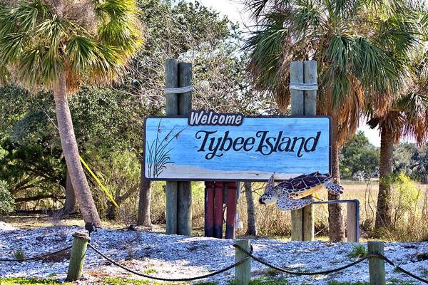 Photograph - Welcome To Tybee by Gordon Elwell