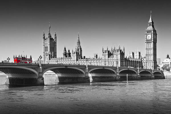 Wall Art - Photograph - Westminster Bridge by Melanie Viola