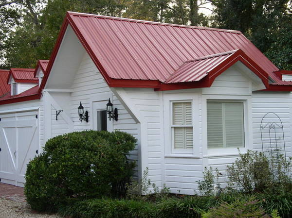 White Cottage Red Roof In Moultrie Georgia 2004 Art Print