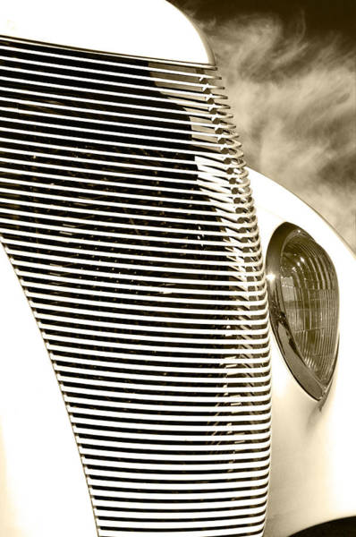 Photograph - White Hot Grille by Gary Silverstein