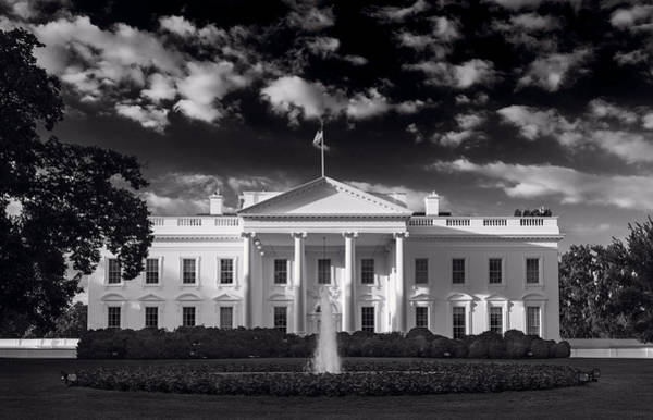 U. S. Presidents Wall Art - Photograph - White House Sunrise B W by Steve Gadomski