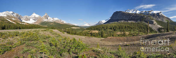 Photograph - Wide View Of The Icefields Valley by Charles Kozierok