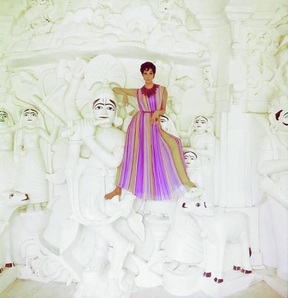 Wall Art - Photograph - Wilhelmina Wearing A Nat Kaplan Dress by Henry Clarke