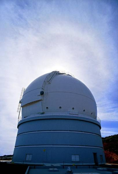 Halo Photograph - William Herschel Telescope At La Palma by David Parker/science Photo Library