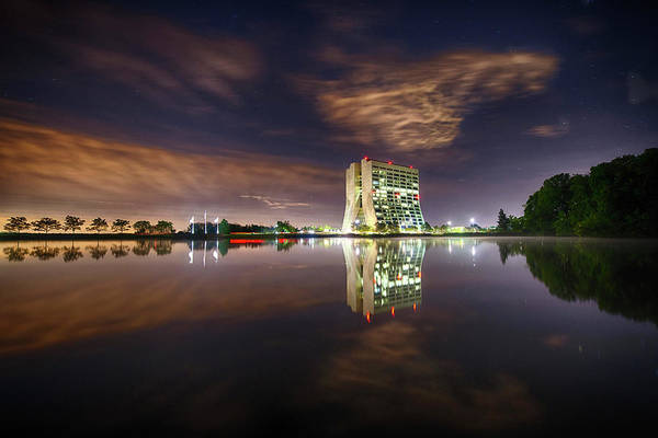 Treeline Photograph - Wilson Hall At Fermilab At Night by Fermi National Accelerator Laboratory/us Department Of Energy/science Photo Library
