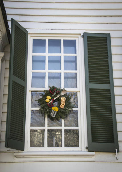 Royal Colony Photograph - Windows Of Williamsburg 04 by Teresa Mucha