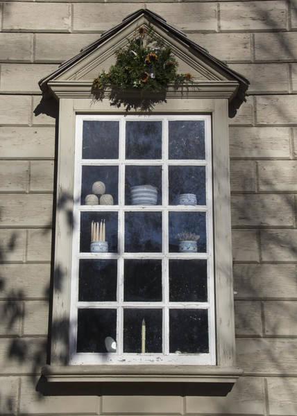 Royal Colony Photograph - Windows Of Williamsburg 08 by Teresa Mucha