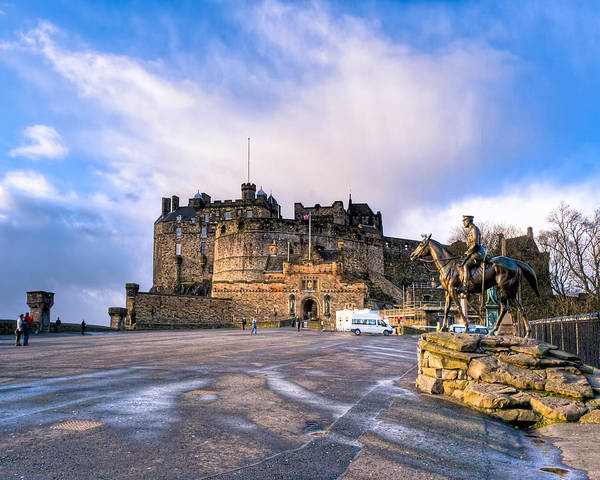 Photograph - Winter Morning On The Esplanade At Edinburgh Castle by Mark Tisdale