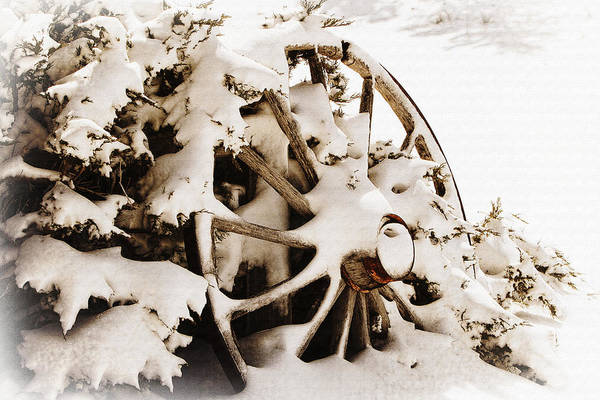 Photograph - Winter Wagon Wheel by Lincoln Rogers