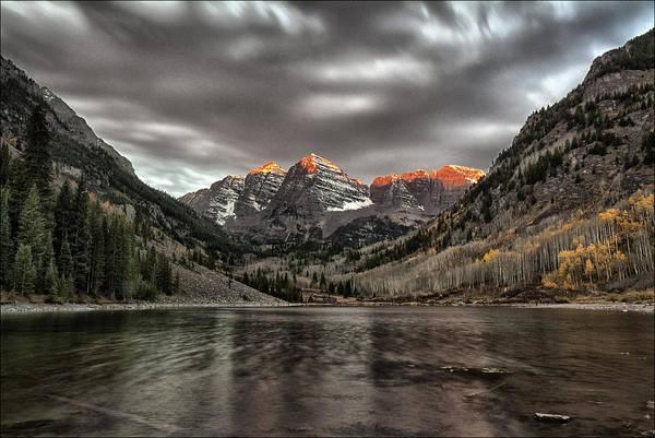 Maroon Bells Photograph - Winter Warning by Robert Fawcett