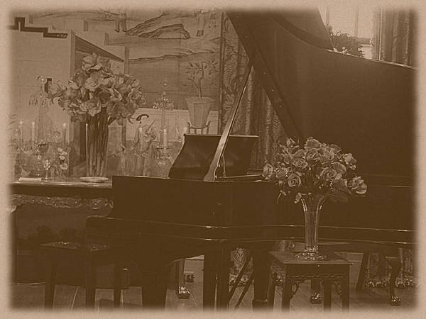 Photograph - Winterthur - The Piano by Richard Reeve