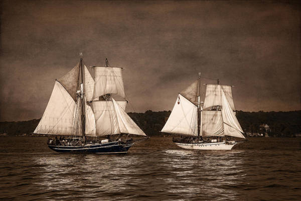 Wall Art - Photograph - With Full Sails by Dale Kincaid