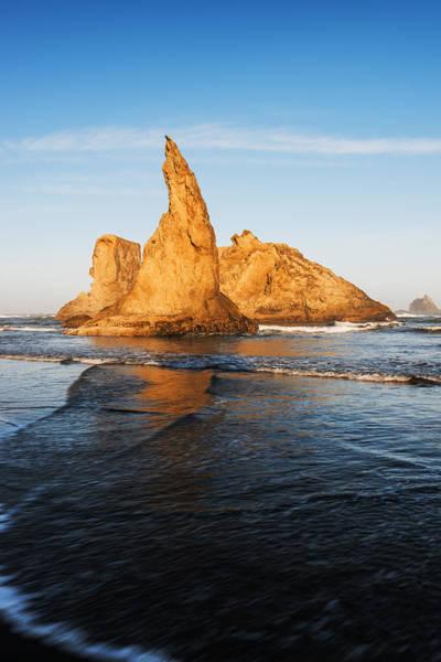 Wizard Hat Wall Art - Photograph - Wizards Hat Bandon Beach Oregon by Vishwanath Bhat