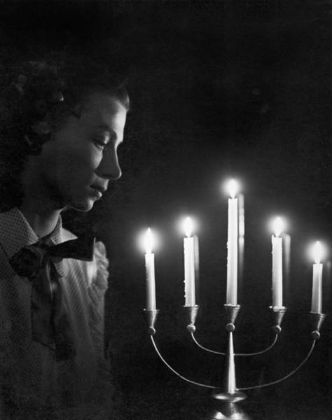 Wall Art - Photograph - Woman And Menorah by Underwood Archives