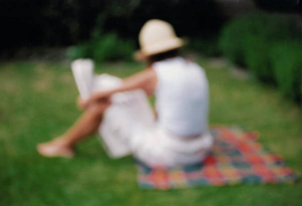 Alfresco Wall Art - Photograph - Woman Reading by Martin Riedl/science Photo Library