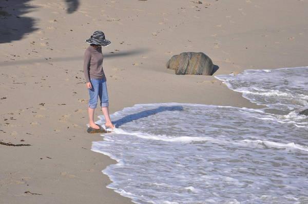 12c319403a La Jolla Cove Photograph - Women In Hat by Pamela Schreckengost