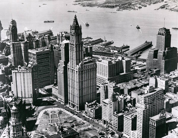 Photograph - Woolworth Building by Underwood Archives