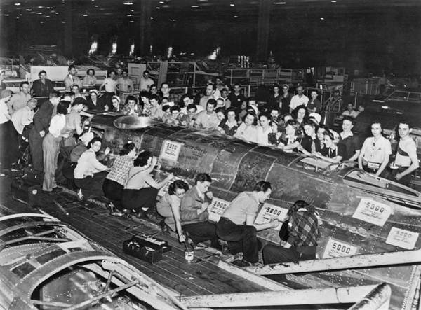 B-17 Bomber Photograph - Workers Sign 5,000th B-17 by Underwood Archives