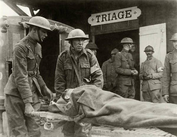 Wall Art - Photograph - World War I Triage Station by Otis Historical Archives, National Museum Of Health And Medicine/science Photo Library