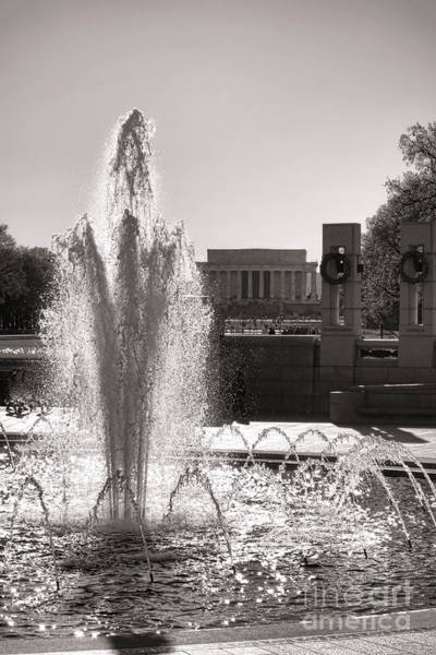 National Mall Wall Art - Photograph - World War II Memorial Fountain by Olivier Le Queinec