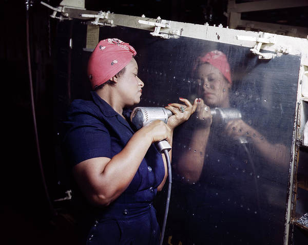 Wall Art - Photograph - World War II Riveter, 1944 by Granger