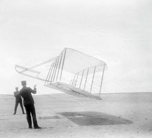 Black Kite Photograph - Wright Brothers Testing A Glider In 1901 by Us Library Of Congress/science Photo Library