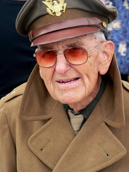 Photograph - Ww 2 Soldier by Jeff Lowe