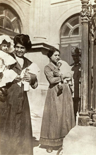 Wall Art - Photograph - Wwi Italy, C1918 by Granger