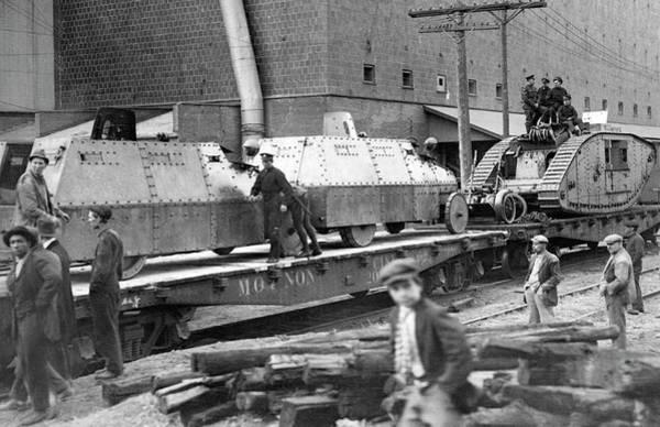 Photograph - Wwi Motorized Warfare by Underwood Archives