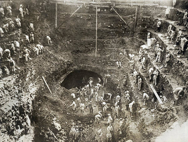 Photograph - Wwi Railway Tunnel Excavation by Underwood Archives