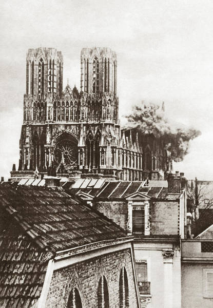 Photograph - Wwi Rheims Cathedral by Granger