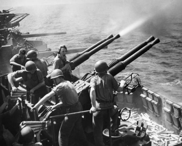 Photograph - Wwii: Anti-aircraft Guns by Granger