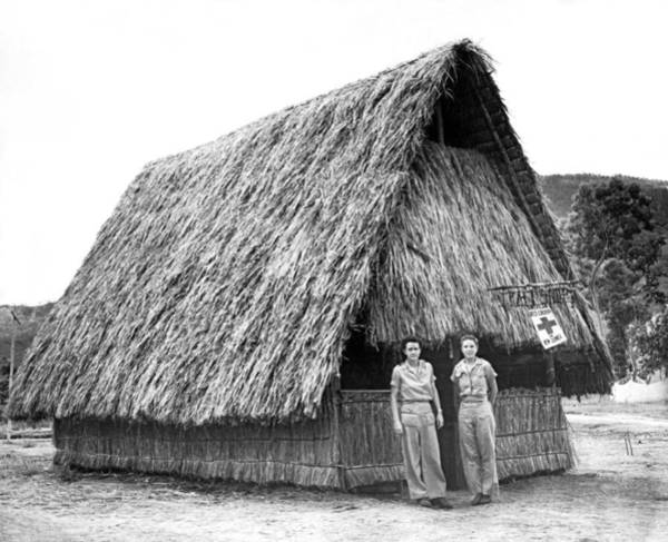 Wall Art - Photograph - Wwii Red Cross In New Guinea by Underwood Archives
