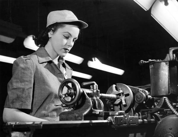 Manufacturing Plant Wall Art - Photograph - Wwii Woman War Worker by Underwood Archives
