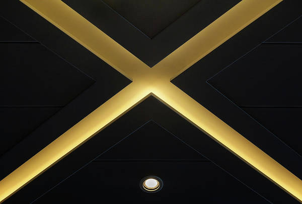 Ceiling Photograph - Xing by Hans-wolfgang Hawerkamp