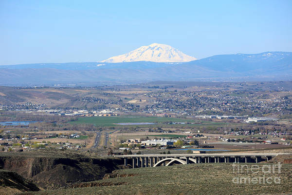 Photograph - Yakima Valley Outlook With Mount Adams by Carol Groenen