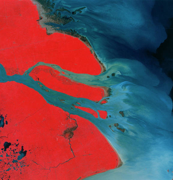 River Delta Photograph - Yangtze Delta And Shangai by Mda Information Systems/science Photo Library
