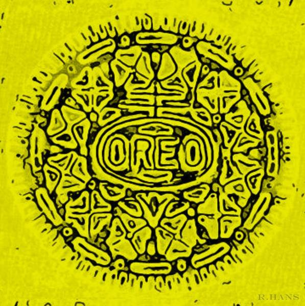 Wall Art - Photograph - Yellow Oreo by Rob Hans