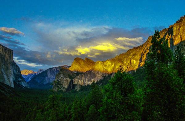 Photograph - Yosemite Valley Sunset by Ross Henton