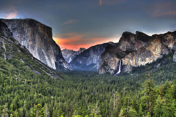 Wall Art - Photograph - Yosemite Valley View Sunset by Shawn Everhart