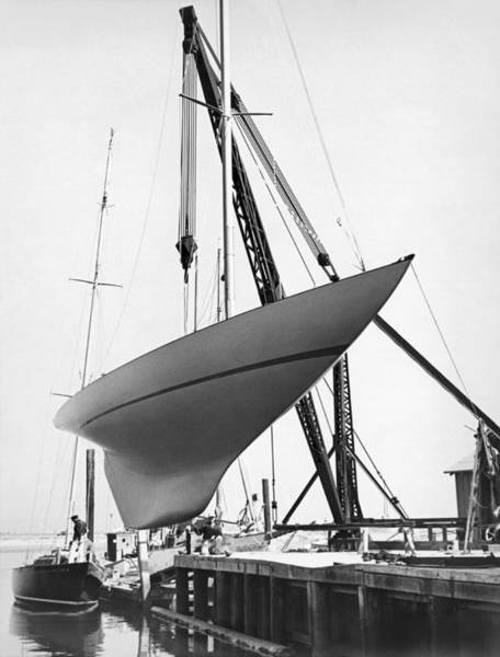 Lifting Photograph - Yucca Launching by Underwood Archives