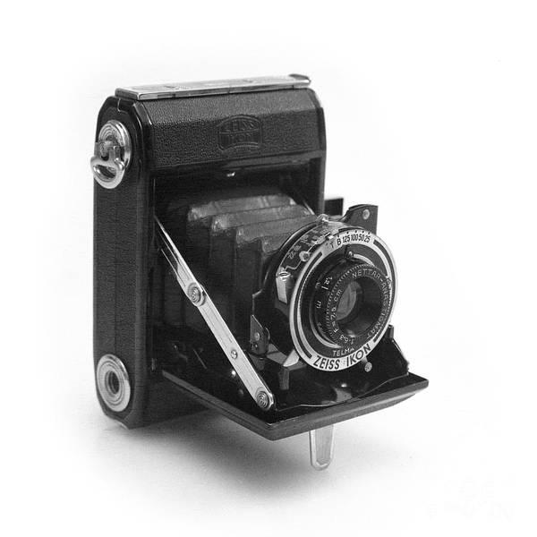 Photograph - Zeiss Ikon Nettar 515 by Paul Cowan