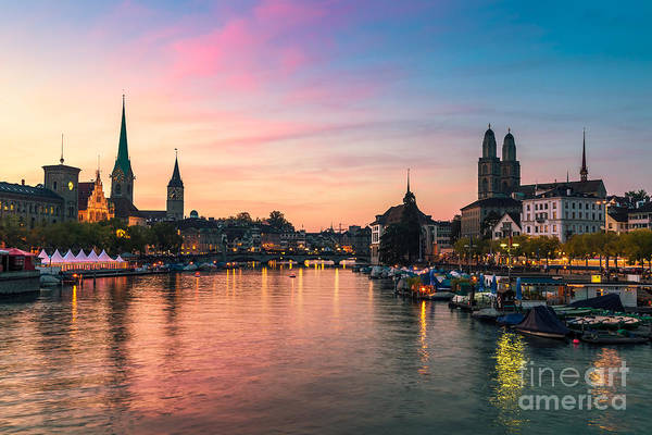 Zuerich Wall Art - Photograph - Zurich 05 by Tom Uhlenberg