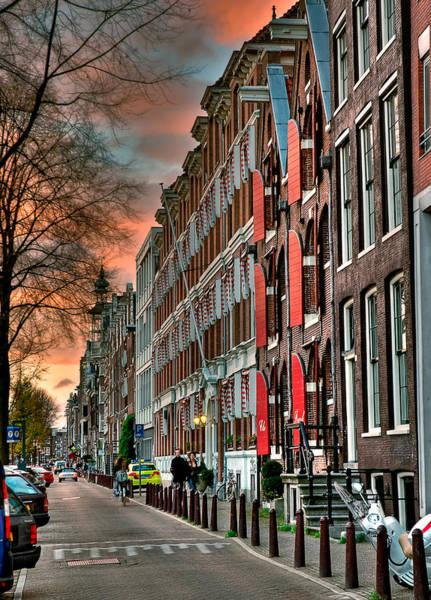 Houseboat Photograph - Alineado. Amsterdam by Juan Carlos Ferro Duque