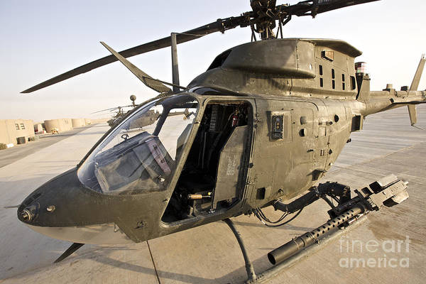 Kiowa Photograph - An Oh-58d Kiowa Helicopter by Terry Moore