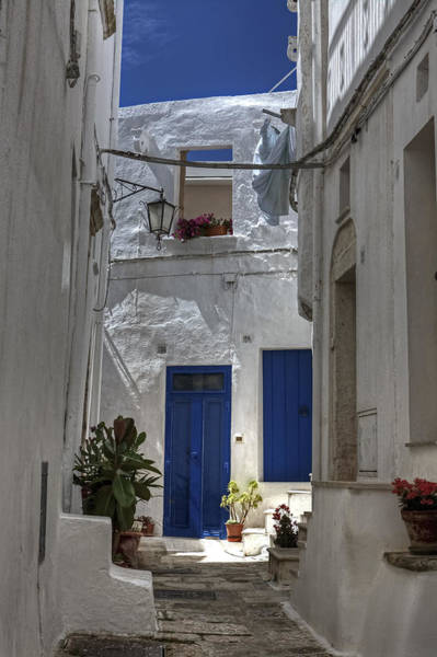 Yard Photograph - Apulia - Blue-white by Joana Kruse