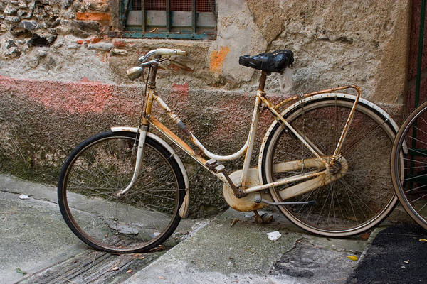 Photograph - Bicycle And Textured Wall by Cliff Wassmann