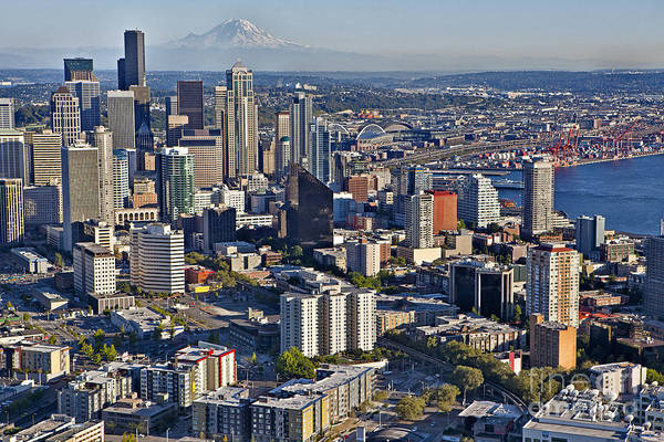 Elliot Bay Wall Art - Photograph - Downtown Seattle And Mt. Rainier by Francis Zera